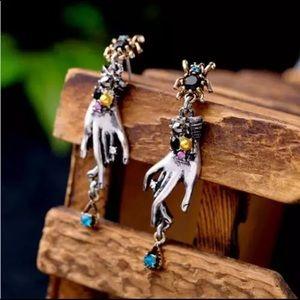 NWOT 🕷 stunning earrings